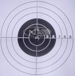 瞄准镜校准后测试结果 射击点基本已在靶子中心点